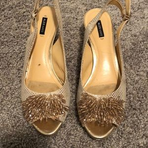 """Alex and Marie sand gold heels 1.5"""""""